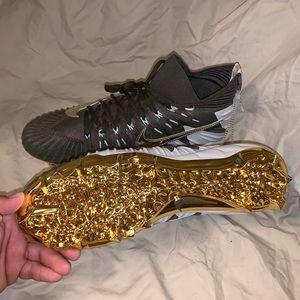 NWOB Nike Alpha menace elite football cleats gold
